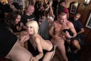 filme porno cu polististe sexi